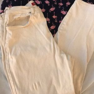 GV jeans cream to pale yellow color. 16